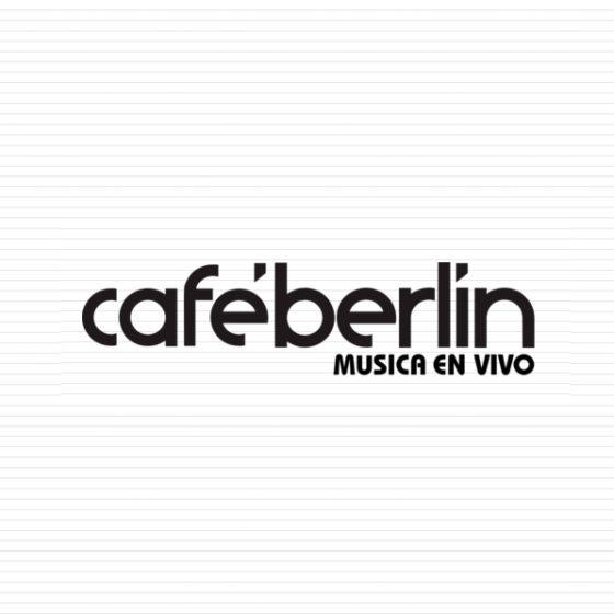 Logotipo del Cafe Berlin sobre fondo de rayas